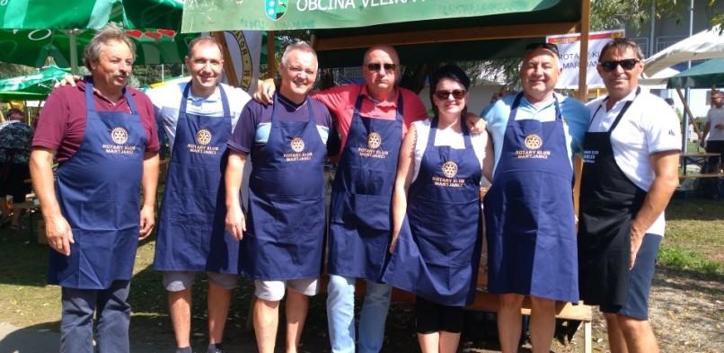 Rotarijci so kuhali »bujto repo«